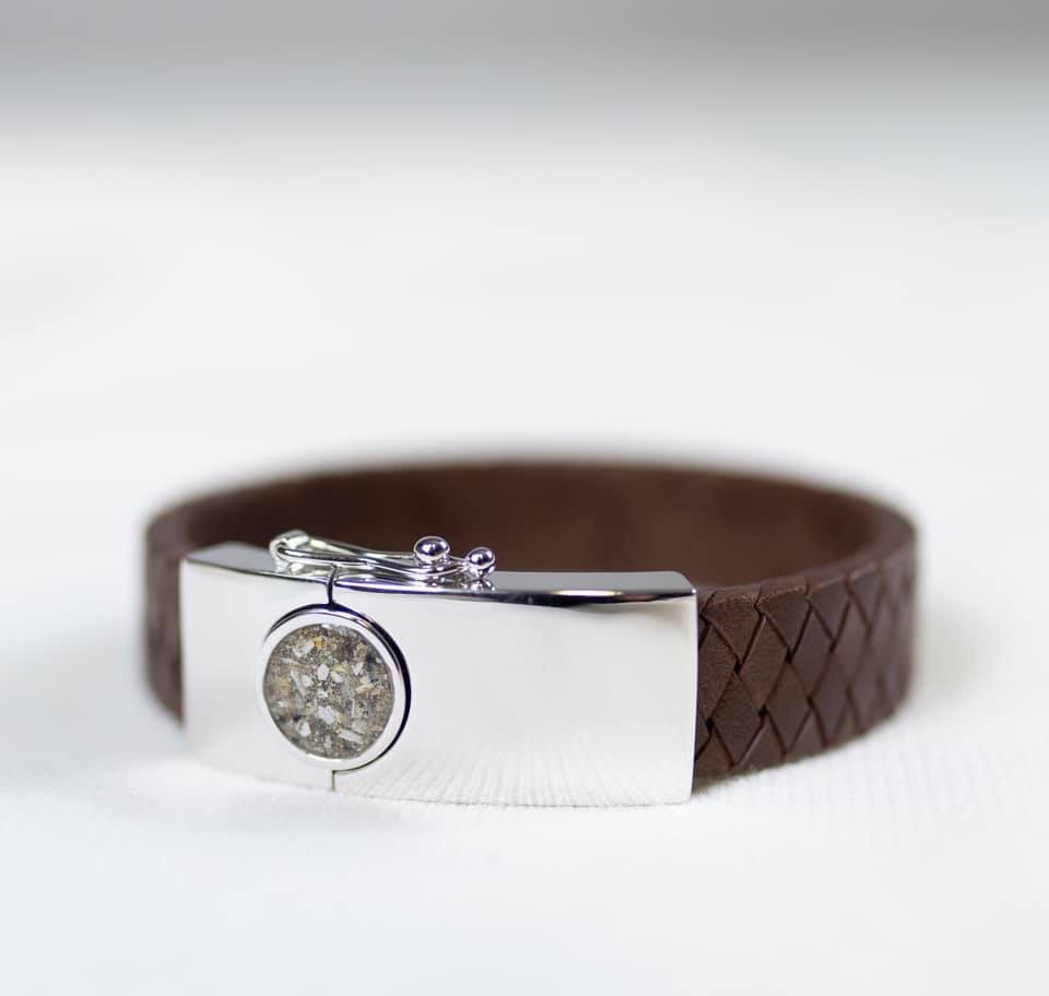 Stoere armband met as gevuld